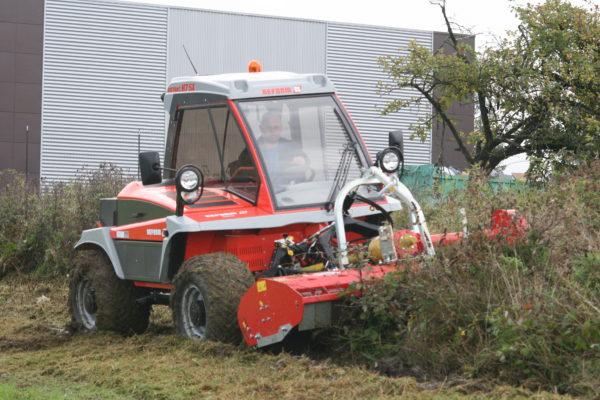 Tracteur reform débroussaille