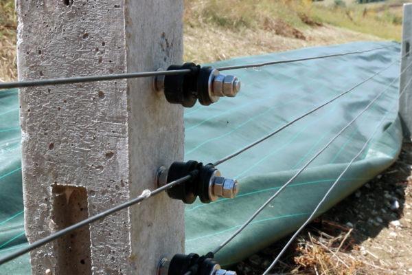 poteaux DCV à protéger par des bâches au sol